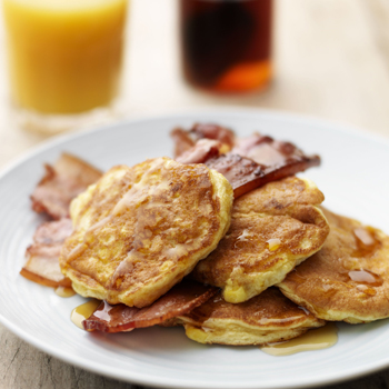 SWEETCORN PANCAKES WITH BACON AND SYRUP
